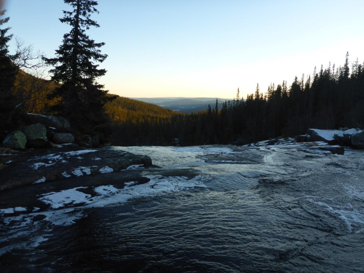 Herbstwanderung zu einem Wasserfall m. Würstelgrillen
