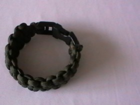 Paracord Bracelet with the blaze bar