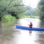 Auf der Kinzig bei Hochwasser