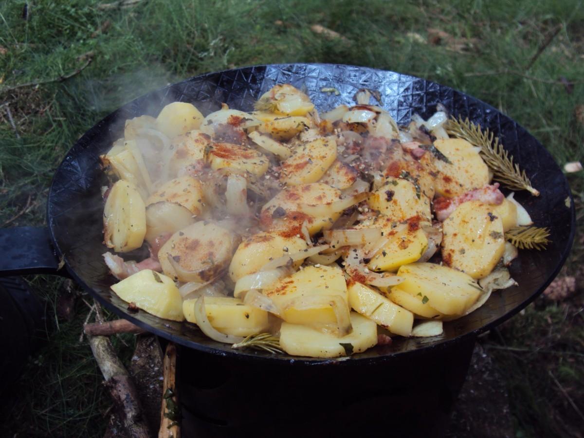 Bratkartoffeln in der Eisenpfanne (7)